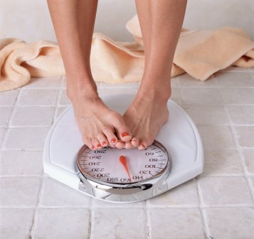 women-obsess-scale-weight