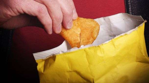eat from a bag of chips